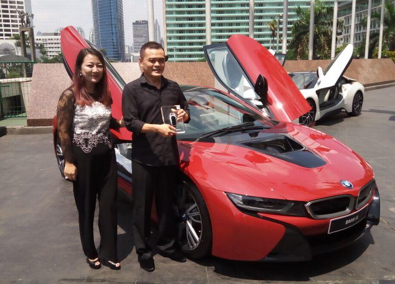 Sonny, pemilik pertama BMW i8 di Indonesia (Foto: Anton/Okezone)
