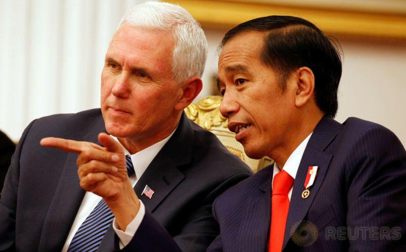 Presiden Joko Widodo bersama Wapres AS Mike Pence.