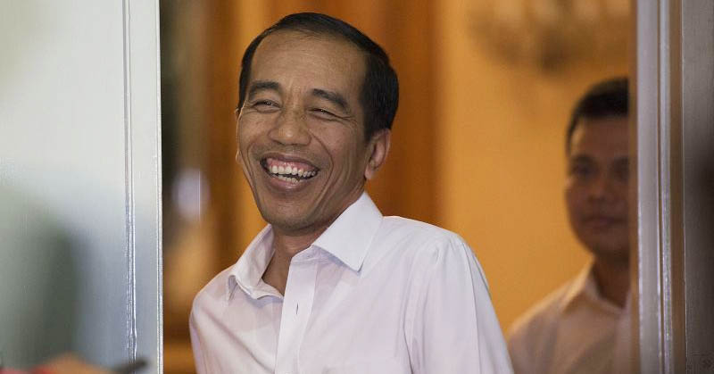 Kocak, Presiden Jokowi Bertemu 'Kembaran' di Cirebon