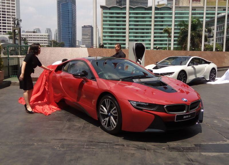 Cuma 1 Unit Di Indonesia Apa Istimewanya Bmw I8 Protonic Red
