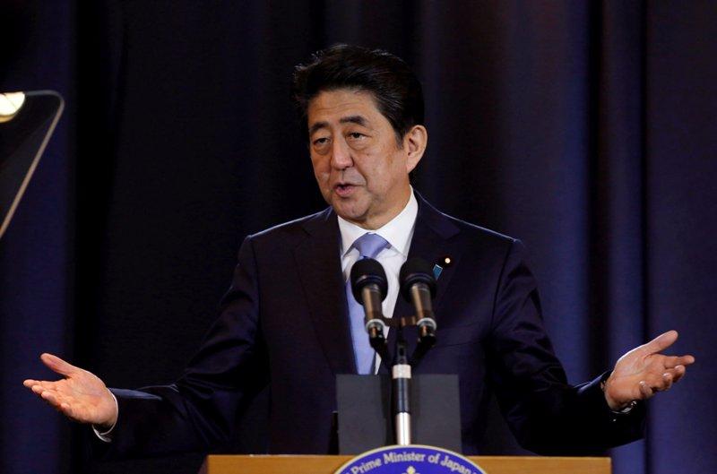 Perdana Menteri Jepang Shinzo Abe (Foto: Agustin Marcarian/Reuters)