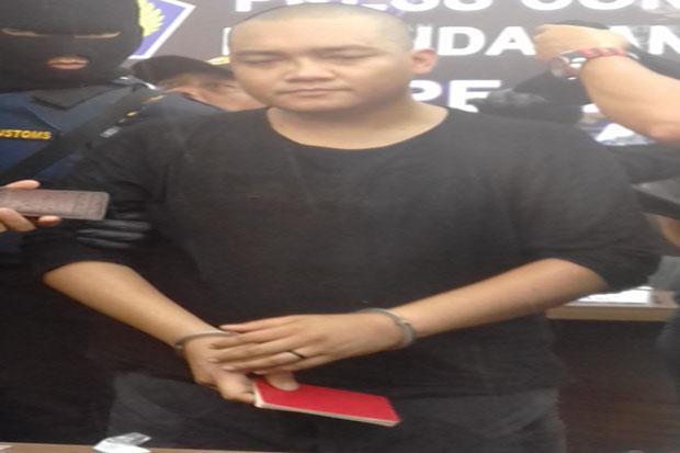 https: img.okezone.com content 2017 04 21 340 1673402 nah-lho-aktor-malaysia-ini-ditangkap-di-medan-ternyata-pernah-dijatuhi-hukuman-mati-LH98pjRYpG.jpg