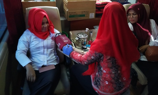 Kegiatan donor darah Kartini Perindo Aceh (Foto: Rayful Mudassir)
