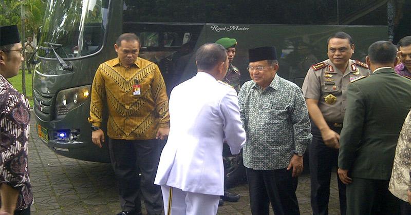 Wakil Presiden Jusuf Kalla (pakai peci dan berkacamata). (Foto: Antara)