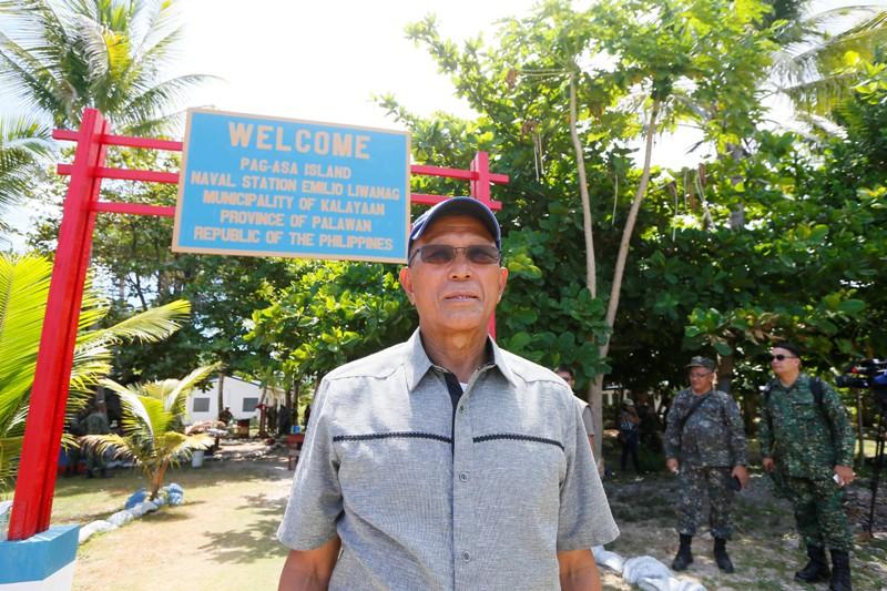 https: img.okezone.com content 2017 04 22 18 1674229 militer-china-sempat-halau-pesawat-yang-angkut-pejabat-filipina-di-lcs-eOkHSw5aDa.jpg