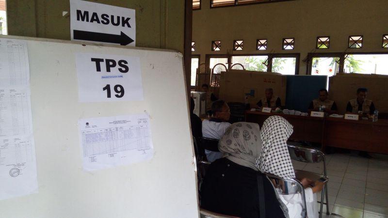TPS 19 Pondok Kelapa Duren Sawit melakukan pemungutan suara ulang (Foto: Taufik/Okezone)
