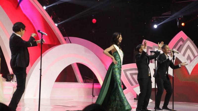 https: img.okezone.com content 2017 04 22 598 1674431 miss-indonesia-2017-ketika-3-divo-iringi-penampilan-finalis-abIDeHLXi1.jpg