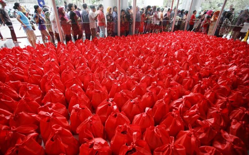 Pembagian Sembako Dicuekin, Bukti Warga Jakarta Tak Bisa Dibeli