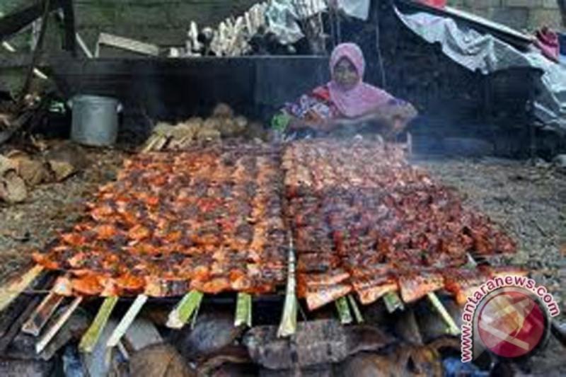 Intip Proses Pembuatan Ikan Salai Patin, Makanan ...