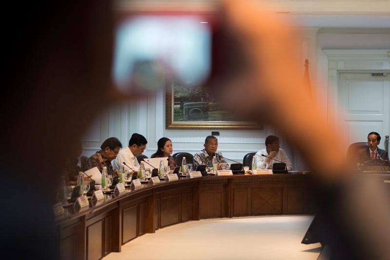 Gerindra Tak Terpengaruh Keputusan Reshuffle Jokowi, Ustadz Meninggal saat Baca Alquran di Rumah Mensos, Kekesalan Iannone pada Ducati