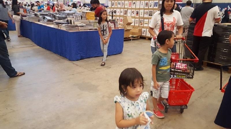 https: img.okezone.com content 2017 04 29 196 1679579 sejak-usia-berapa-anak-dikenalkan-membaca-EIlOshE2cT.jpg
