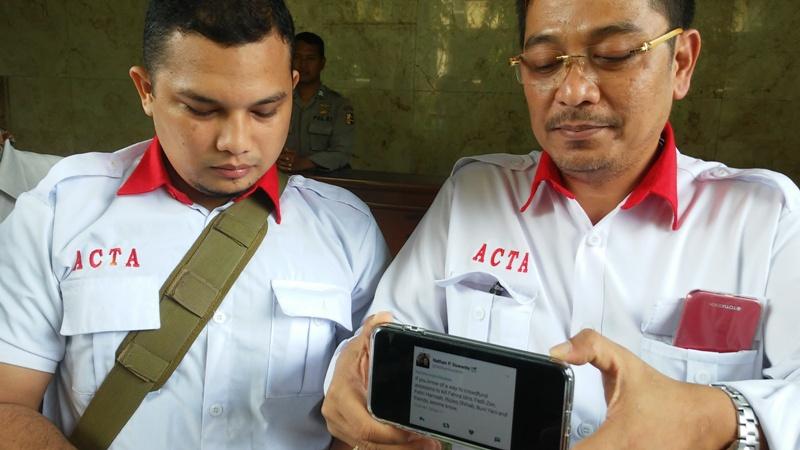 ACTA, kuasa hukum Fadli Zon laporkan akun Twitter @nathansuwanto ke Bareskrim Polri (Foto: Bayu Septianto)