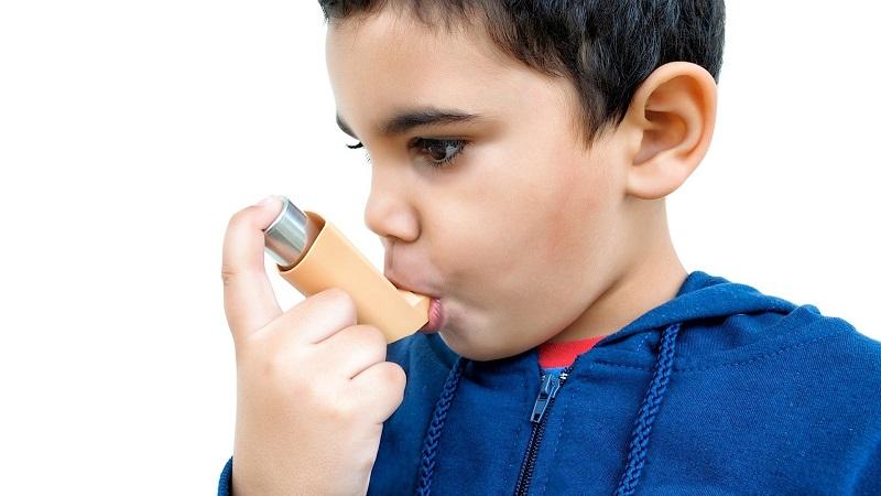 https: img.okezone.com content 2017 05 03 481 1681864 pertolongan-pertama-saat-anak-kena-serangan-asma-di-sekolah-5QK6cMiJLC.jpg