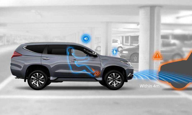 Begini Fitur Canggih pada Mobil Bekerja jika Pengemudi Salah Injak Pedal : Okezone Otomotif