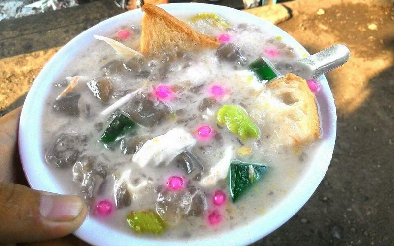 https: img.okezone.com content 2017 05 04 298 1683213 food-story-es-goyobod-es-khas-sunda-nama-belanda-492lsY5iQS.jpg