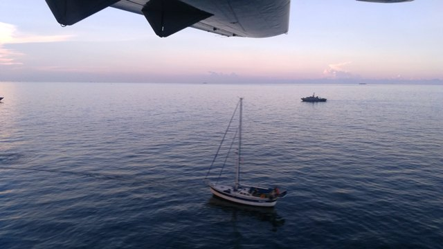 https: img.okezone.com content 2017 05 04 340 1683467 tni-al-akhirnya-temukan-kapal-yacht-sunrise-singapura-yang-hilang-w2fz3hAyeA.jpg