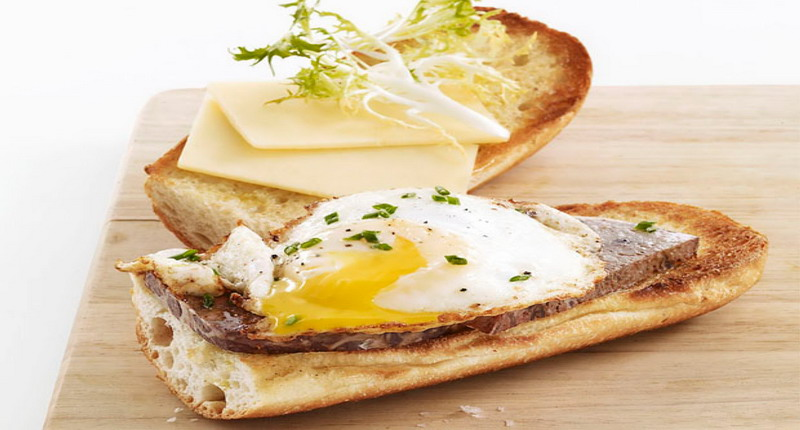 https: img.okezone.com content 2017 05 05 298 1684269 menyusuri-muasal-sandwich-setangkup-roti-isi-yang-mendunia-H5IXo1BA5f.jpg