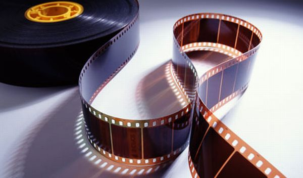 https: img.okezone.com content 2017 05 07 206 1685112 asyik-festival-film-eropa-digelar-di-bali-5y1zpM6Ban.jpg
