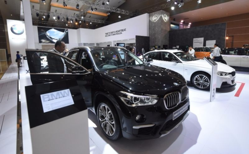 3 series: Harga Terbaik New BMW 320i 320d Sport Lci 2017 ...