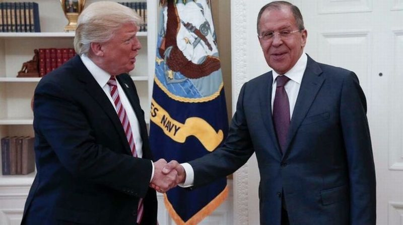 Presiden AS, Donald Trump dan Menlu Rusia, Sergey Lavrov. (Foto: Twitter/RT)