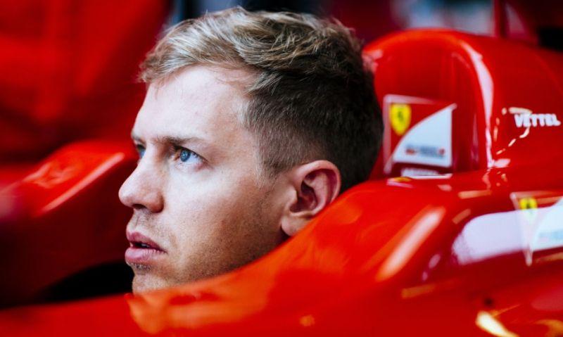Dinilai Terlalu Anak Emaskan Vettel, Hamilton: Itu Dia Kebiasaan Ferrari!