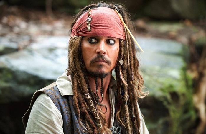 https: img.okezone.com content 2017 05 15 206 1690992 nih-alasan-johnny-depp-ingin-jadi-kapten-jack-sparrow-di-kehidupan-nyata-6nfa5FV3Vv.jpg