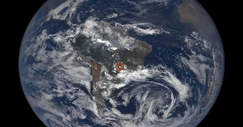 Kamera Milik NASA Tangkap Cahaya Misterius dari Bumi