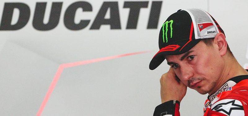 Tampil Bersama Ducati di MotoGP 2017, Pernat: Tidak Akan Mudah bagi Lorenzo