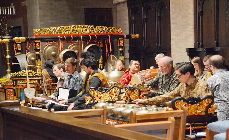 Grup Tunas Mekar asal Colorado, Amerika Serikat ini memang memeriahkan pergelaran seni budaya Bali