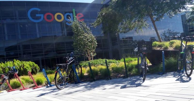 LAPORAN DARI AS: Serunya Bekerja Sambil Gowes Sepeda Warna-warni di Markas Google