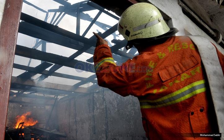 Waduh! Minimarket Terbakar di Jeruk Purut