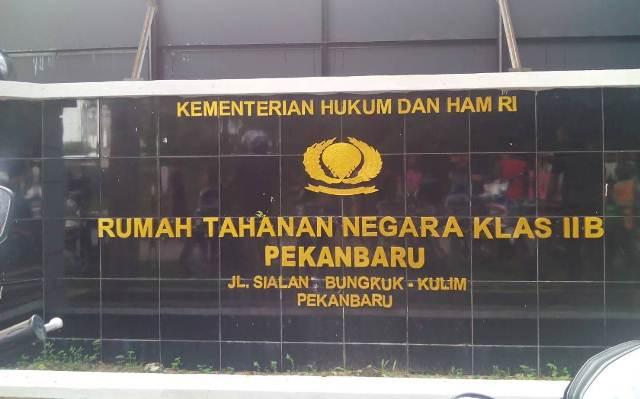 448 tahanan Rutan Sialang Bungkuk kabur karena kerap diperas. Foto Okezone/Banda Haruddin Tanjung