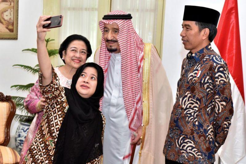 Raja Arab Saudi, Salman bin Abdulaziz Al Zaud dan Presiden Jokowi Dodo. (Foto: Setpres)