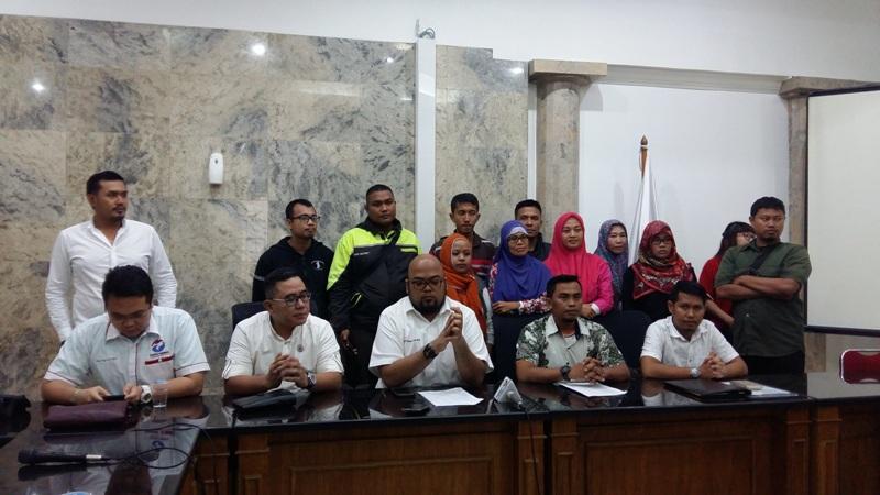 Konferensi pers LBH Perindo usai menerima pengaduan korban investasi bodong (Lina/Okezone)