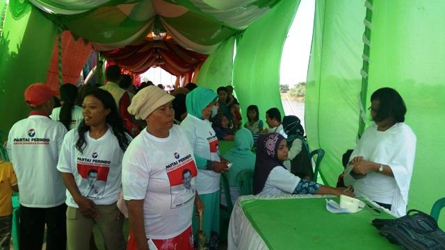 DPD Perindo Jakut menggelar acara Peduli Pesisir di Marunda. (Foto: Taufik Fajar/Okezone)