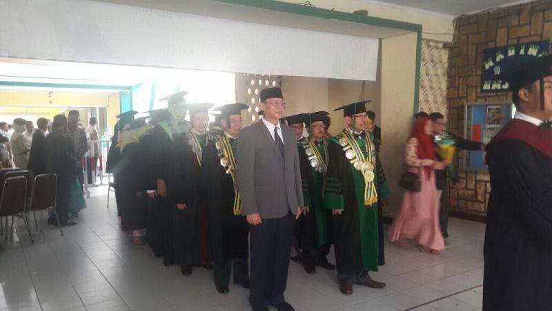Gubernur Banten Wahidin Halim menghadiri wisuda di IAIN Sultan Maulana Hasanudin, Banten (Istmewa)
