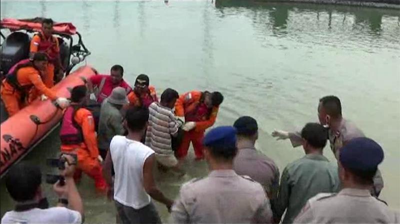 Ilustrasi korban kapal tenggelam (foto: Okezone)