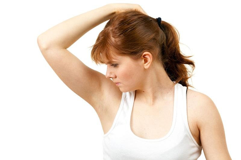 https: img.okezone.com content 2017 05 22 194 1697211 sudah-pakai-deodoran-tapi-masih-bau-badan-ini-loh-penyebabnya-q0AO8kxibi.jpg