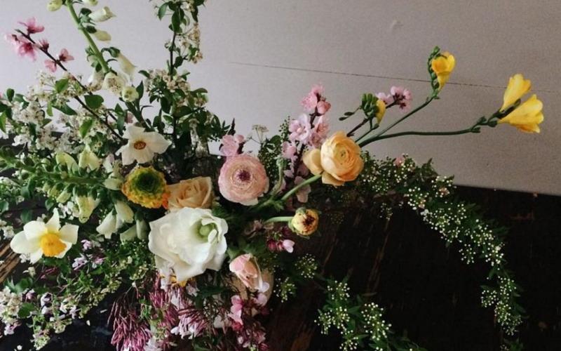 Suka Mendekor Ruang Dengan Bunga Bunga Follow Akun Instagram Ini