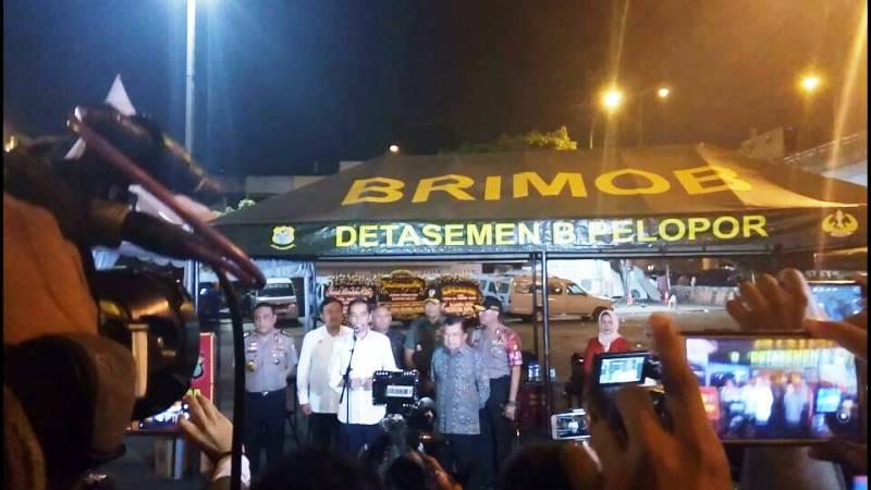 Hasil gambar untuk Jokowi di kampung Melayu