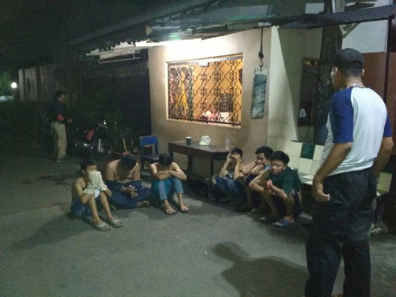 Para pemuda yang berencana melakukan aksi tawuran (Foto: Hambali/Okezone)
