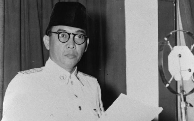 https: img.okezone.com content 2017 06 06 337 1708854 ketika-soekarno-bicara-lahirnya-pancasila-hari-ulang-tahunnya-6-juni-KFtCIi20YW.png