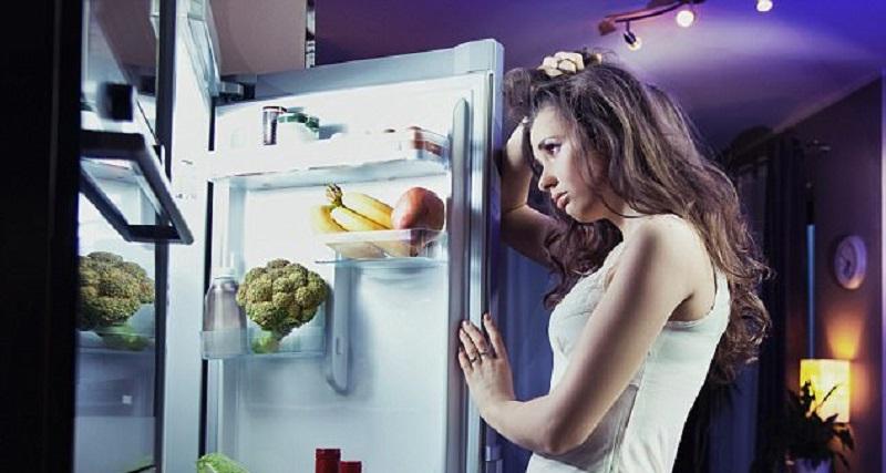 https: img.okezone.com content 2017 06 07 481 1709765 studi-makan-tengah-malam-tingkatkan-risiko-diabetes-dan-penyakit-jantung-HXGhrA9ke3.jpg