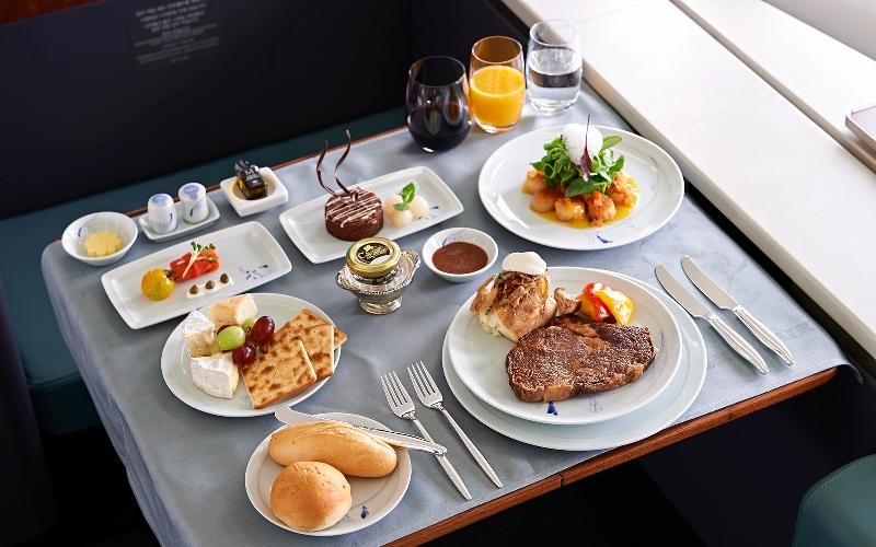 https: img.okezone.com content 2017 06 08 298 1710649 terungkap-artis-hollywood-ini-sangat-menyukai-airplane-food-KW4Qwptdk9.jpg
