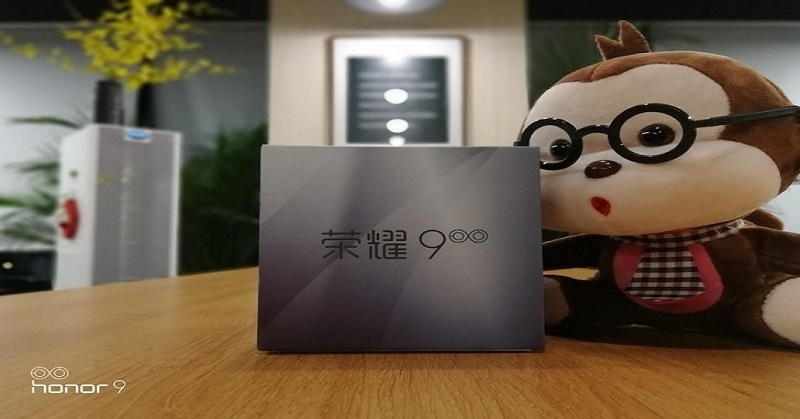 https: img.okezone.com content 2017 06 09 57 1712207 hasil-foto-honor-9-penantang-xiaomi-mi6-nongol-di-weibo-i9Z3TraElu.jpg