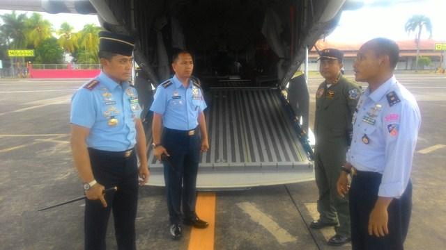 https: img.okezone.com content 2017 06 10 340 1712652 lancarkan-operasi-tni-kirim-logistik-ke-perbatasan-indonesia-filipina-99ZFIMKv8P.jpg