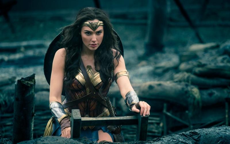 https: img.okezone.com content 2017 06 11 206 1713401 hebat-wonder-woman-jadi-film-terpopuler-2017-C0a6BVAo7A.jpg
