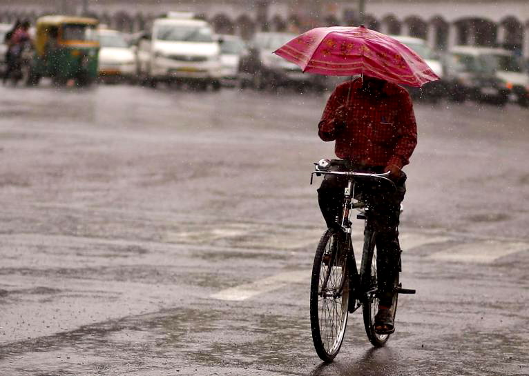 Alquran dan Sains Jelaskan Bagaimana Rasa Air Hujan Sebenarnya