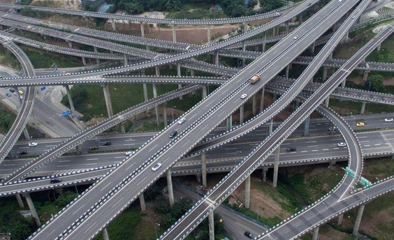 Jalan layang bertumpuk di Chongqing, China (Foto: AFP)