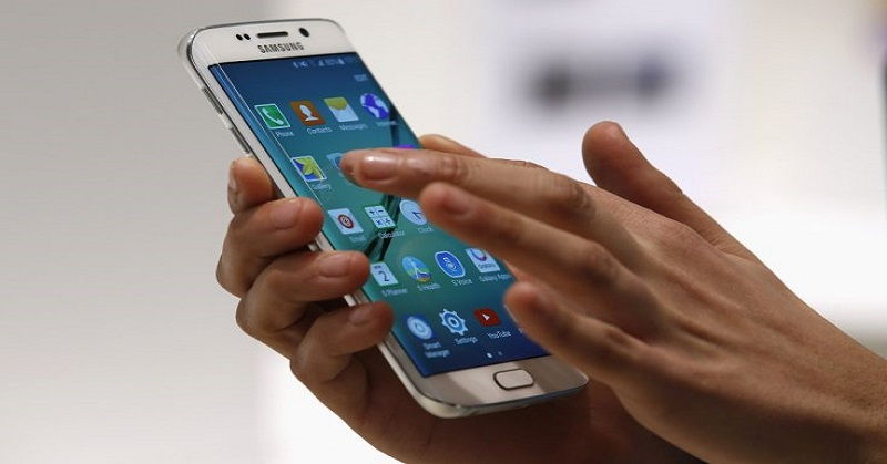 TOP TECHNO: Benarkah Jutaan Ponsel Samsung Rentan Diretas?